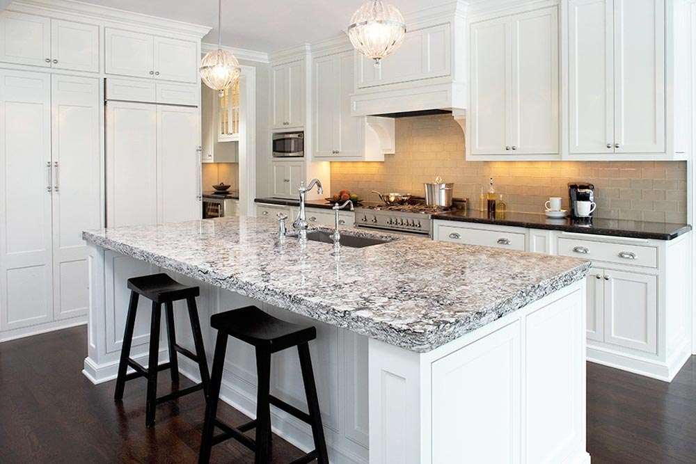 Quartz Kitchen Countertop & Kitchen Remodel